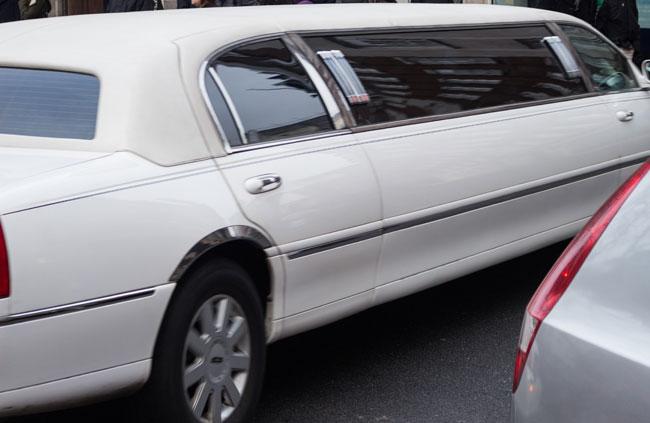 İzmir'de limuzin kiralama hizmeti veren yerler