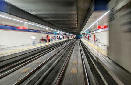 İzmir Metro Saatleri ve Durakları
